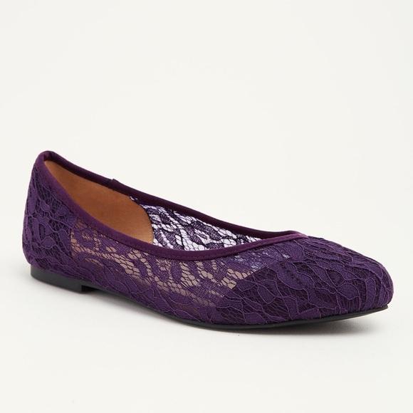 485a897e56b NWT Torrid Size 11W lace purple flats